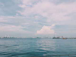 みなとみらいの海と空の写真・画像素材[1367851]