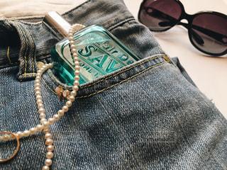 ポケットに入っているレールデュサボンの写真・画像素材[2083334]
