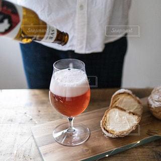 クラフトビールとスイーツの写真・画像素材[2828077]