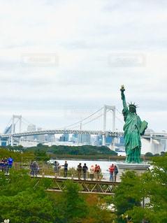 台場の自由の女神と観光客の写真・画像素材[1022448]
