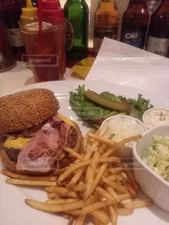 ハンバーガーの写真・画像素材[1288287]