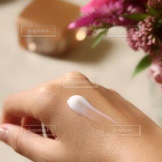 トロパシャっと肌に浸透するパーフェクトワンの写真・画像素材[3727502]