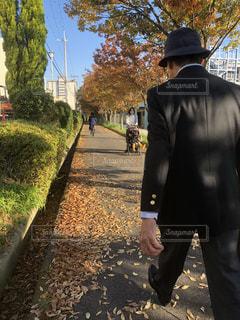 後ろ姿,帽子,朝,通勤,散歩道,ありがとう,ネイビー,夫,朝の風景,ご苦労様,定年