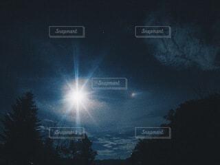 光りの写真・画像素材[3920773]