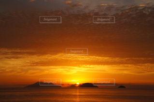 自然,海,空,夕日,絶景,海外,雲,島,夕焼け,船,夕方,山,水平線,海外旅行