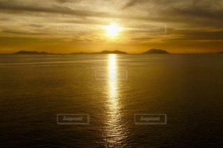 自然,海,空,夕日,絶景,海外,雲,夕焼け,船,夕方,水平線,海外旅行