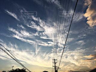 近くに空には雲の上の写真・画像素材[1111558]