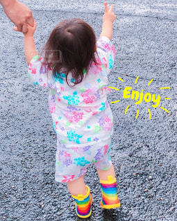 夏祭りはお気に入りの長靴での写真・画像素材[2605680]
