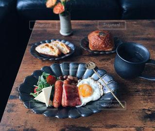 朝食は必ず!の写真・画像素材[1898572]