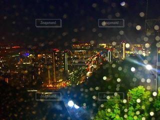 夜の街の景色の写真・画像素材[1069047]