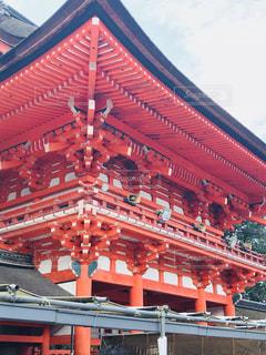 大きな赤い建物 - No.1014251
