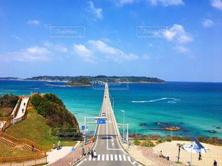 青空の角島大橋の写真・画像素材[1096851]