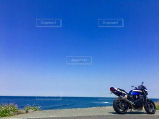 角島の海とバイクの写真・画像素材[1388451]