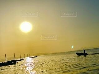 自然,風景,海,空,屋外,太陽,朝日,ボート,船,水面,日の出