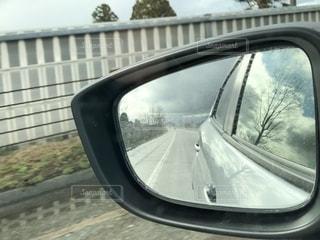 車の側面鏡の写真・画像素材[2713621]
