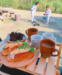 キャンプの朝ごはんの写真・画像素材[1145050]
