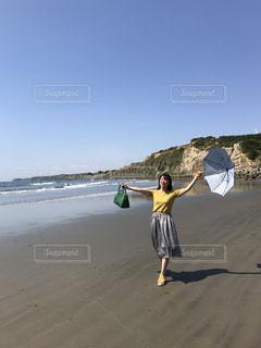 秋の海岸での写真・画像素材[1017291]