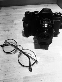 カメラと眼鏡の写真・画像素材[1254223]