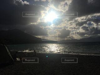 水体の空に雲の写真・画像素材[1485220]