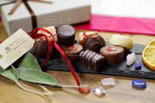 たくさんのチョコレートの写真・画像素材[2928935]