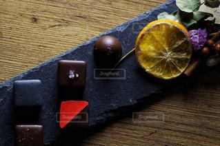 チョコレートとオレンジの写真・画像素材[2928948]