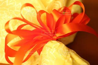 花束,リボン,サプライズ,りぼん,オレンジ色のリボン