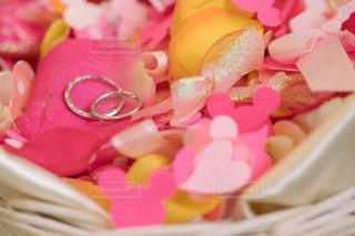 花,屋内,ピンク,赤,指輪,結婚式,ハート,リボン,wedding,flower,フラワーシャワー