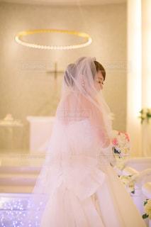 ウェディング ドレスを着た女性の写真・画像素材[1231093]