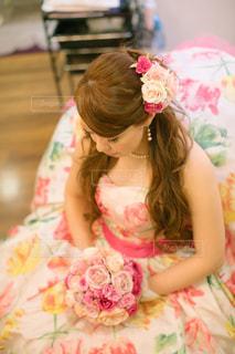 ピンクのドレスの少女の写真・画像素材[1455000]