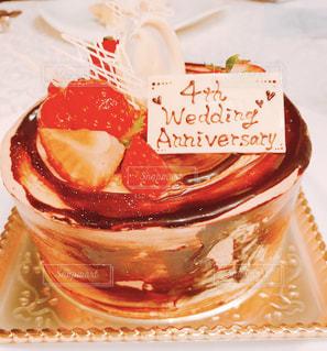 ケーキと皿の上のアイスクリームの写真・画像素材[1669214]