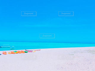 与論島の星の砂浜と透明な海の写真・画像素材[1014477]