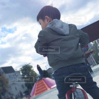空,公園,青空,休日,少年,ストライダー
