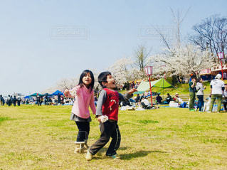 空,公園,桜,屋外,花見,景色,草,人物,人,日中,チーム,チームワーク