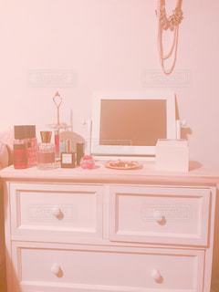 インテリア,アクセサリー,マイホーム,ピンク,白,かわいい,鏡,キラキラ,家具