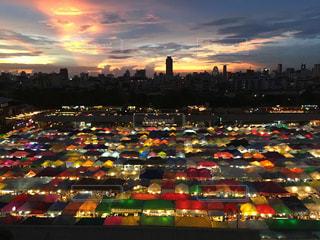 夜の街の景色の写真・画像素材[1014186]