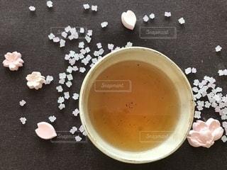 桜とほうじ茶の写真・画像素材[1055876]