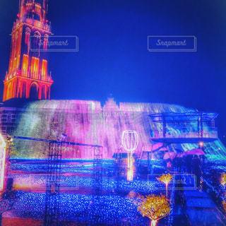 クロック タワーは夜ライトアップの写真・画像素材[1683742]