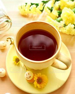 飲み物,花,コーヒー,かわいい,カラフル,スマイル,黄色,笑顔,食器,幸せ,コーヒータイム,イエロー,ハッピー,色,コーヒーブレイク,砂糖,フォトジェニック