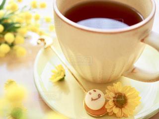 飲み物,コーヒー,かわいい,カラフル,スマイル,黄色,笑顔,食器,幸せ,コーヒータイム,イエロー,ハッピー,色,コーヒーブレイク,砂糖,フォトジェニック