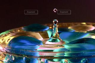 水滴の写真・画像素材[2127844]