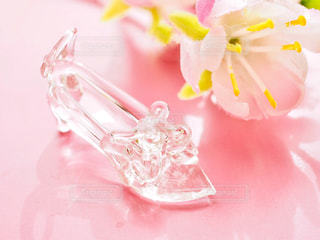 ガラスの靴の写真・画像素材[2142291]