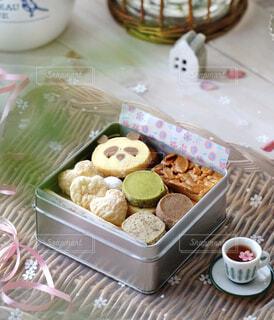 かわいいクッキー缶の写真・画像素材[4370063]