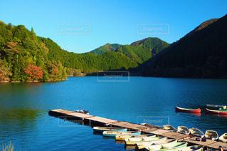 秋,屋外,湖,緑,赤,ボート,オレンジ,観光,旅行,秋晴れ,兵庫,色々,生野銀山湖