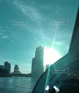 空と水と太陽の写真・画像素材[1099495]