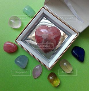 赤,カラフル,ハート,愛,石,宝石,レッド,天然石,心,情熱,クリスタル,多色