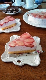手作り苺ムースケーキの写真・画像素材[2137487]