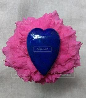 花,ピンク,青,ハート,ブルー,天然石,ネイビー,ストーン,クリスタル,ラピスラズリ,紺色,ストーンフラワー