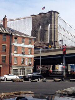 街の通りに駐車の写真・画像素材[1027855]