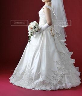 ウェディング ドレスの人の写真・画像素材[1229298]