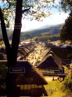 山に囲まれた家々の写真・画像素材[1031858]
